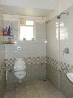 13J7U00003: Bathroom 2