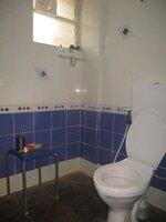 15A4U00326: Bathroom 4