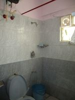 13A4U00028: Bathroom 2