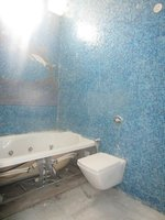 13J6U00511: Bathroom 2