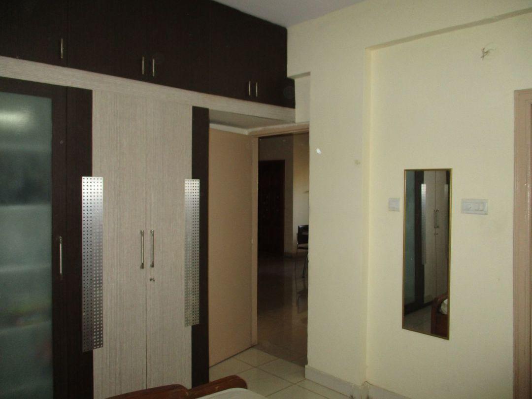 10M3U00053: Bedroom 1
