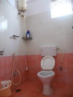 13OAU00207: Bathroom 3
