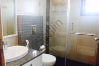 10DCU00049: Bathroom 2