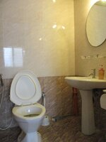 15A4U00049: Bathroom 1