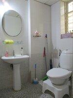 15A4U00049: Bathroom 2