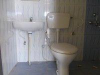 13OAU00185: Bathroom 1