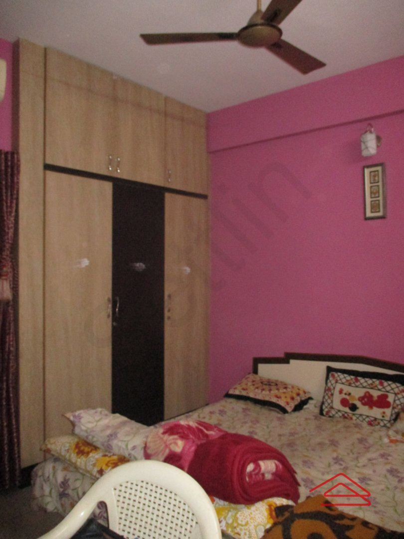 15J1U00500: Bedroom 1