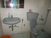 12M5U00436: Bathroom 1