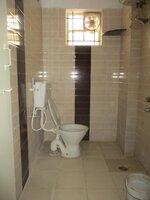 15OAU00048: Bathroom 2