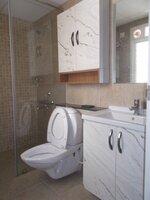 15M3U00015: Bathroom 2