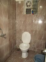 13J1U00261: Bathroom 2