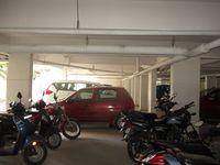 13J1U00261: parking 1