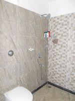 13J1U00281: Bathroom 2