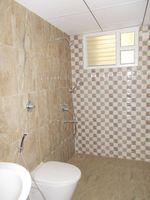 13J1U00281: Bathroom 3
