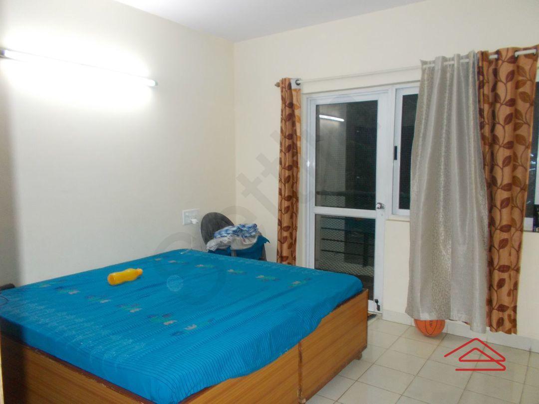 13M5U00477: Bedroom 1