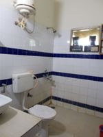 13F2U00020: Bathroom 1
