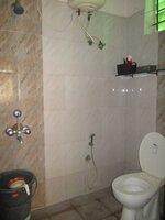 15A4U00002: Bathroom 1