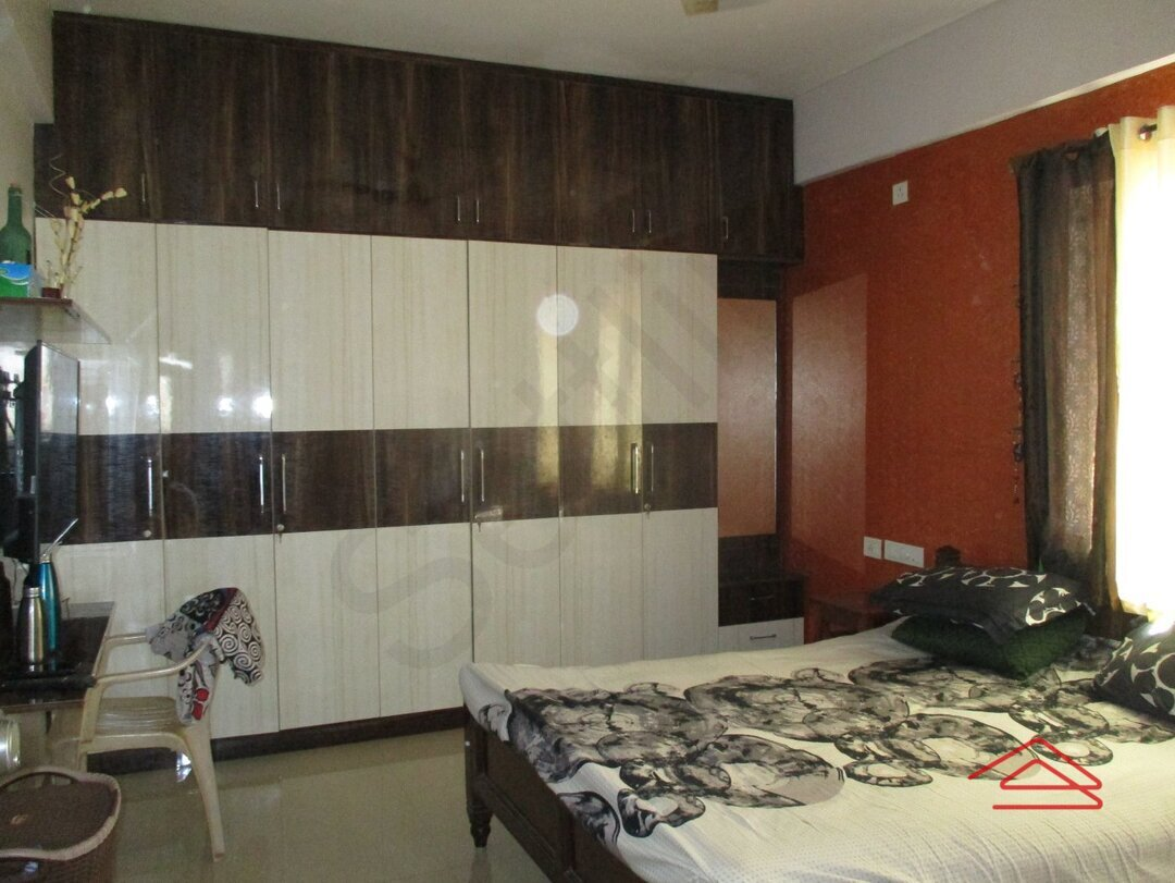 15A4U00002: Bedroom 1