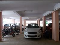 13M5U00184: parking 1