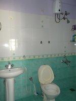 13NBU00174: Bathroom 1