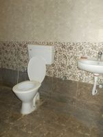 13J7U00091: Bathroom 2