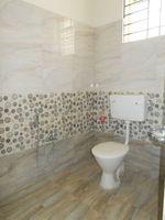 13J7U00091: Bathroom 1