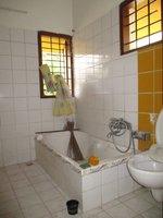 14A8U00140: bathroom 3