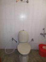 12A4U00104: Bathroom 1