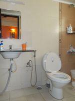 13F2U00149: Bathroom 2