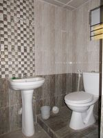 12M3U00081: Bathroom 1