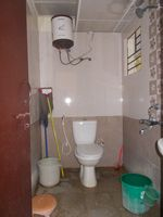 12M3U00081: Bathroom 2