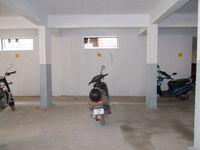 12M3U00081: parking