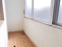 13J6U00523: Balcony 2
