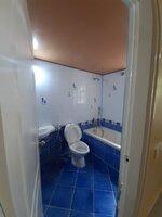 15F2U00051: Bathroom 2