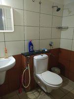11S9U00078: Bathroom 2