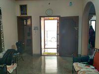 11S9U00385: Hall 1