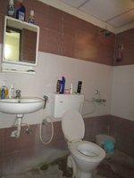 13J6U00405: Bathroom 1