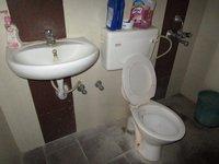 13J6U00405: Bathroom 2