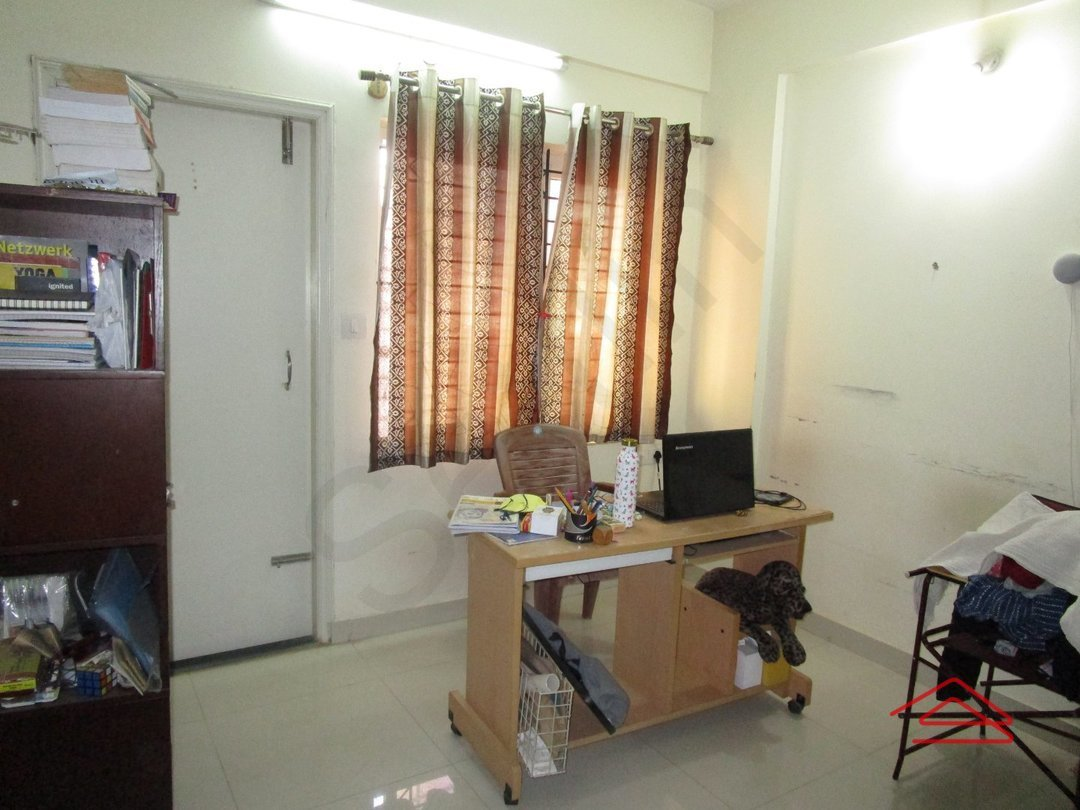 13J6U00405: Bedroom 1