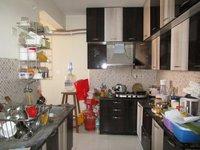 13J6U00405: Kitchen 1