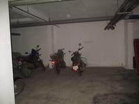 11NBU00599: parking 1