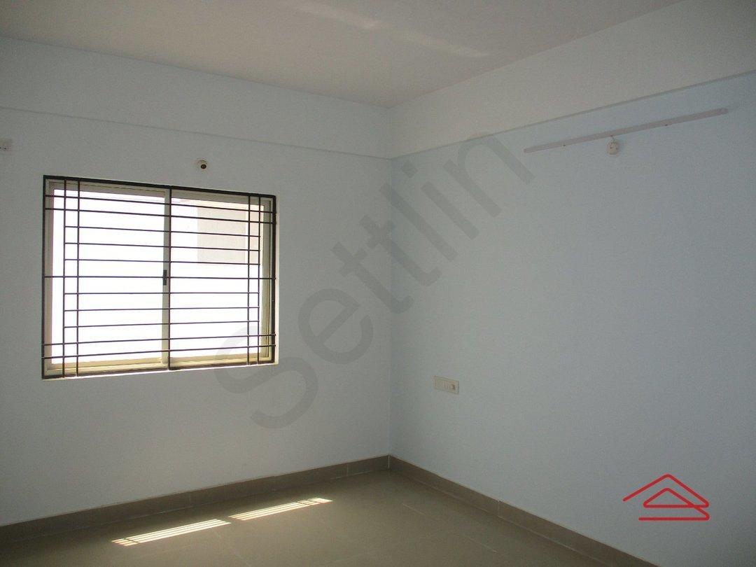 14F2U00505: Bedroom 1