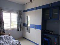 13J7U00009: Bedroom 2