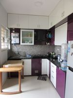 13J7U00009: Kitchen 1
