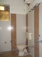 12J7U00178: Bathroom 1