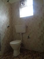 12J7U00178: Bathroom 2