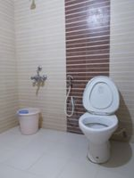 13M5U00153: Bathroom 1