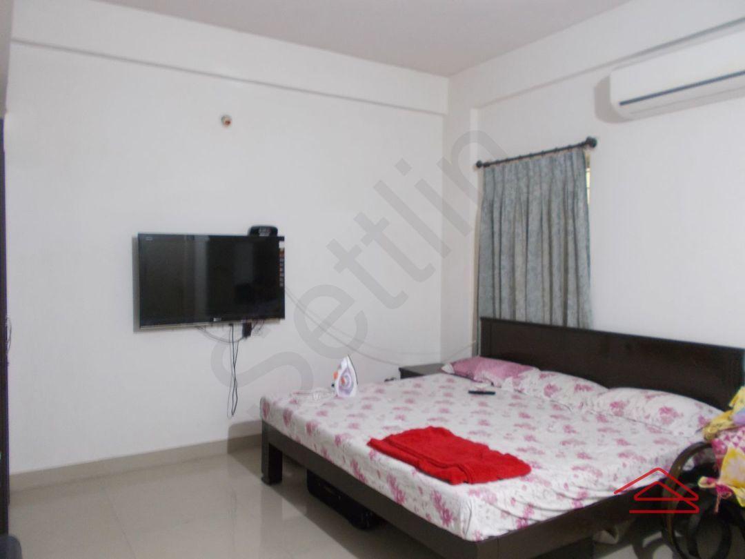 13M5U00153: Bedroom 1