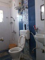 13F2U00175: Bathroom 2