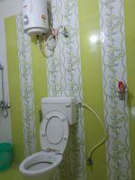 13F2U00175: Bathroom 1